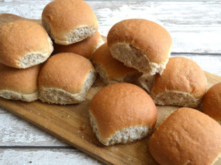 12 Wholemeal Picnic Rolls