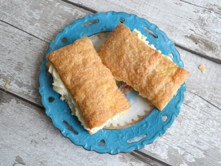 2 Fresh Cream Apple Turnovers